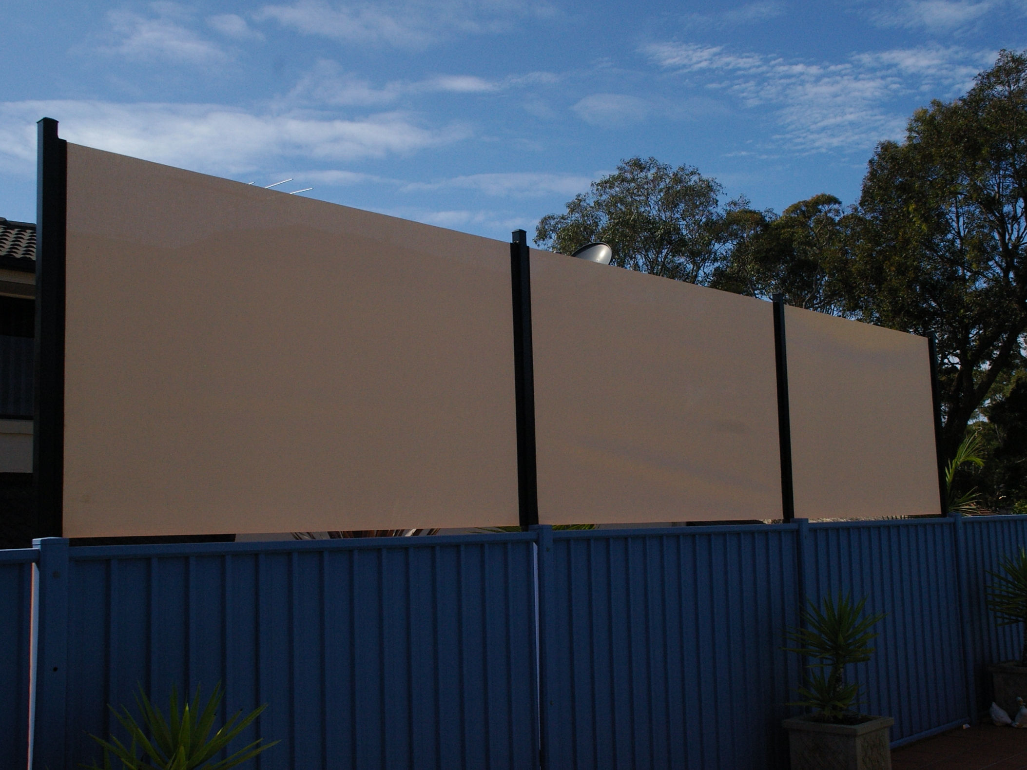 Backyard privacy screens 28 images backyard privacy for Large outdoor privacy screen